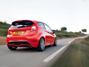 Ford-Fiesta_ST_2013_1280x960_wallpaper_21