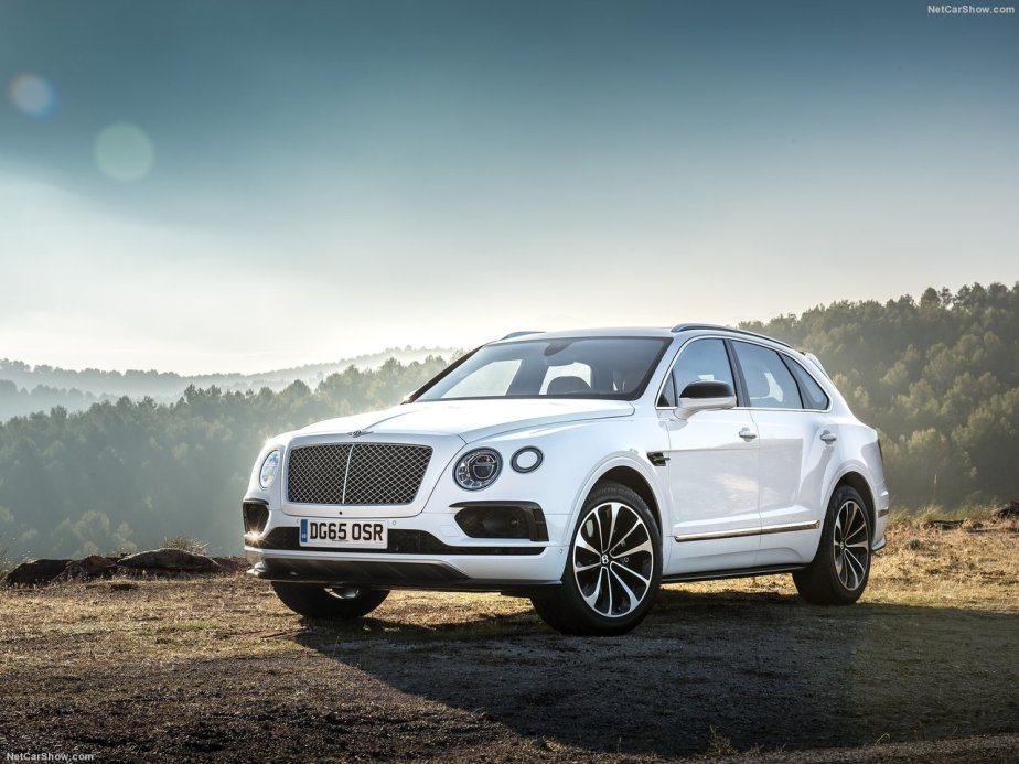 Bentley-Bentayga_2016_1280x960_wallpaper_01